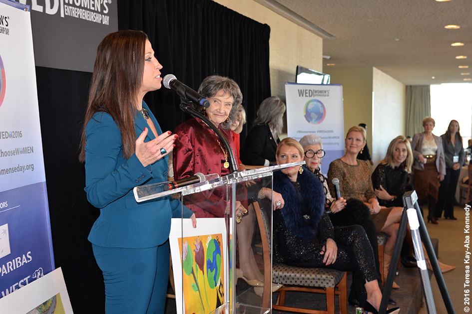 Wendy Diamond and 98-year-old yoga master Tao Porchon-Lynch at Women's Entrepreneurship Day at the United Nations in New York - November 18, 2016