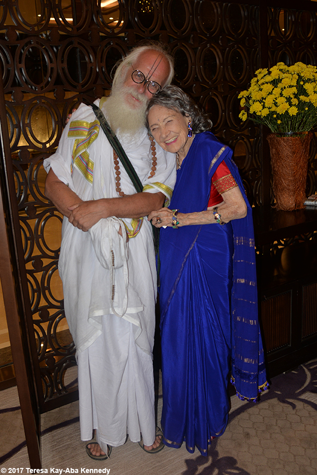 Jagadananda Das and 98-year-old yoga master Tao Porchon-Lynch in Bangalore, India - June 20, 2017
