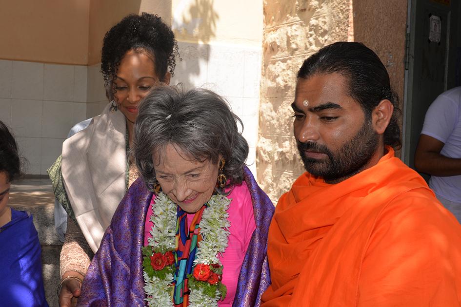 Teresa Ka-Aba Kennedy, 98-year-old yoga master Tao Porchon-Lynch and Shwaasa Guru at the Sree Siddaganga Matha in Karnataka, India - June 23, 2017