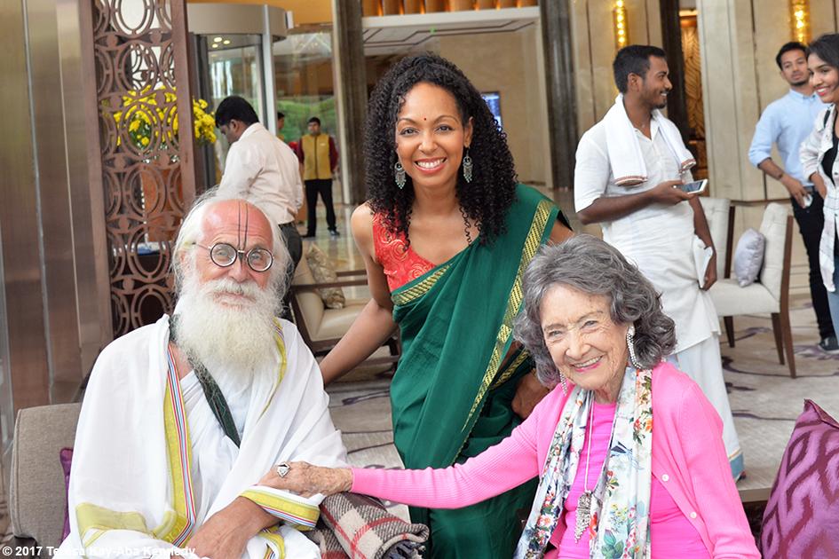 Jagadananda Das, Teresa Kay-Aba Kennedy and 98-year-old yoga master Tao Porchon-Lynch before the Yoga Ratna Awards in Bangalore, India - June 20, 2017