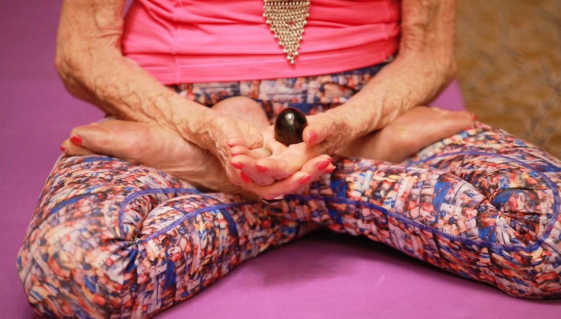 98-year-old yoga master Tao Porchon-Lynch doing an Isthalinga Meditation in Bangalore, India - June 24, 2018