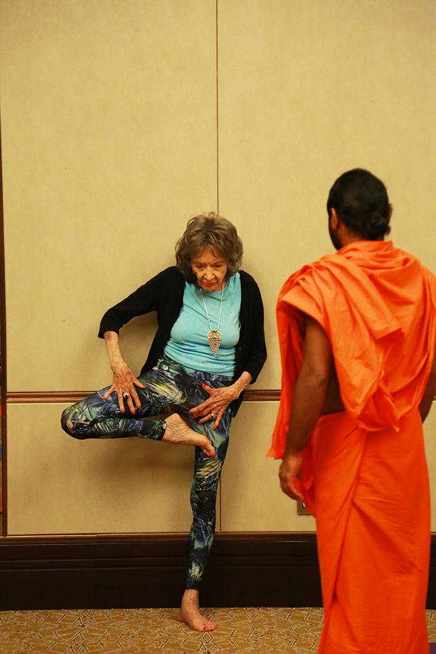 98-year-old yoga master Tao Porchon-Lynch teaching yoga in Bangalore, India - June 22, 2017