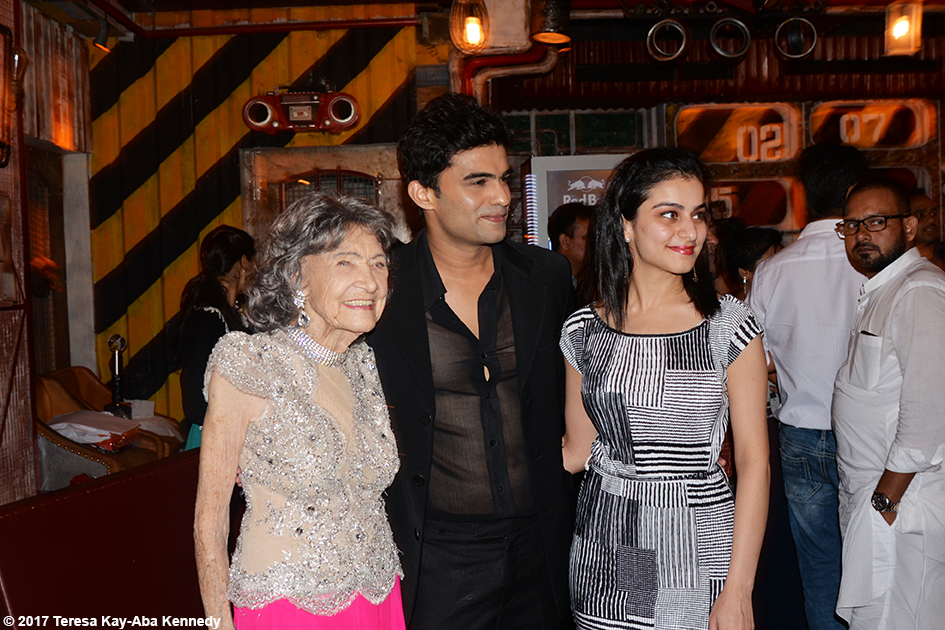 98-year-old Tao Porchon-Lynch with dancers at Tao's World Book of Records celebration at Junkyard Cafe in Mumbai, India - June 27, 2017